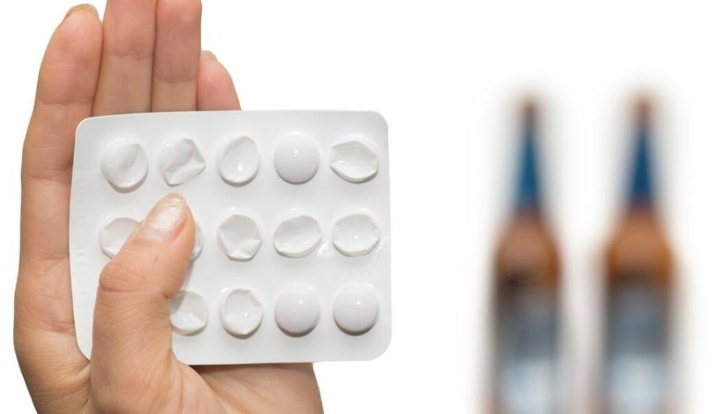 Det er bred enighet blant alkoholforskere internasjonal om at det kan være effektivt å bruke medikamenter mot alkoholisme, men norske fastleger tar dem lite i bruk.  (Foto: Colorbox)