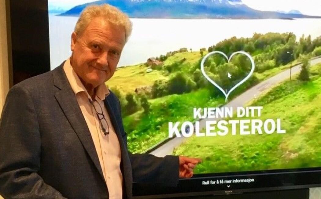 Dan Børge Akerø ante ikke at han var i faresonen da han fikk et alvorlig hjerteinfarkt for fem år siden. Her er han under en nylig pressekonferanse om kolesterol. (Foto: Anne Lise Stranden/forskning.no)