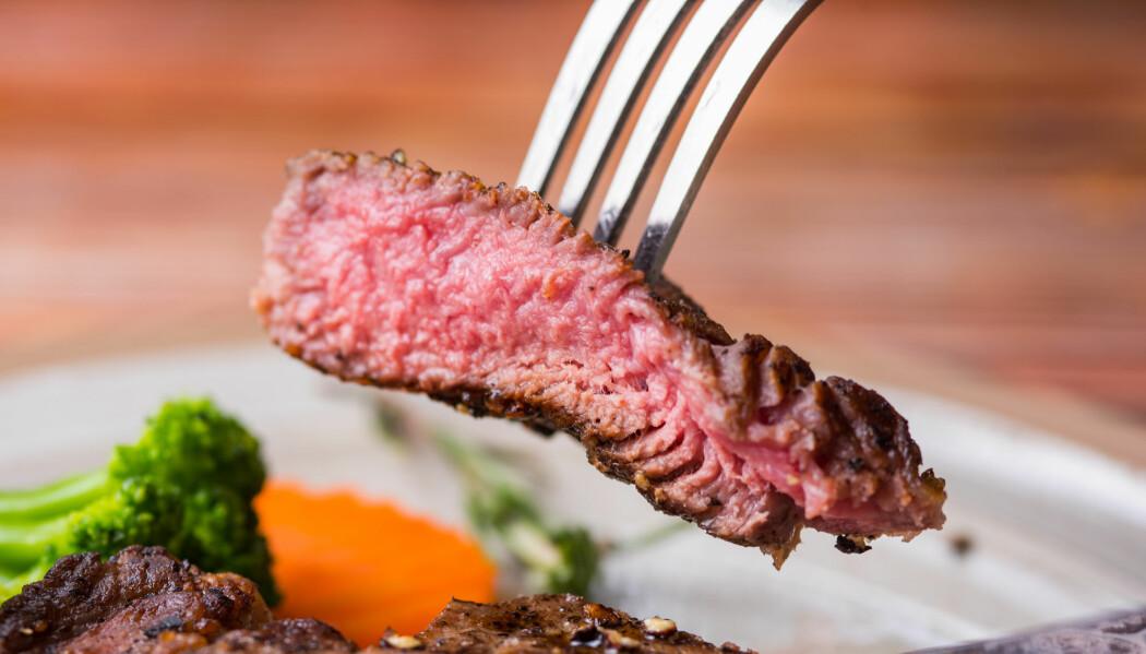 Du kan trolig spise biff uten dårlig samvittighet for helsa, ifølge ny forskning. Klima og dyrevelferd er så klart en annen sak. (Foto: Charlad Laorlao / Shutterstock / NTB scanpix)