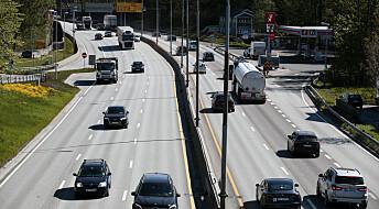 Forskere foreslår å fjerne bompenger, fergebilletter og bilavgifter