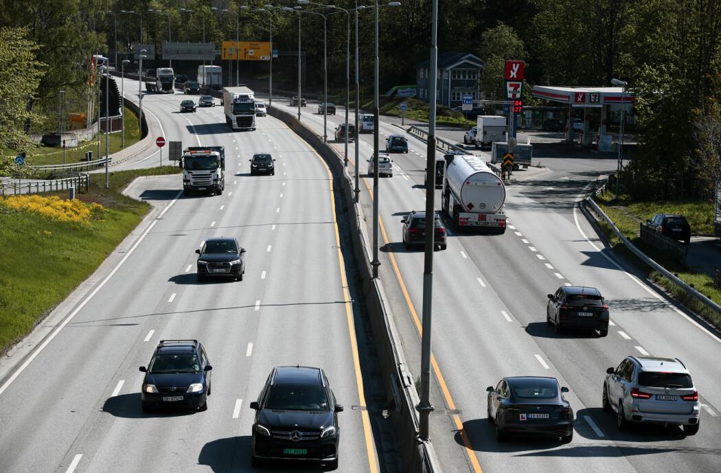 I forslaget blir det lagt opp til at hver enkelt bil må ha en elektronisk brikke som registrerer hver tur og teller antall kilometer bilen kjører og hvor. (Foto: Lise Åserud / NTB scanpix)