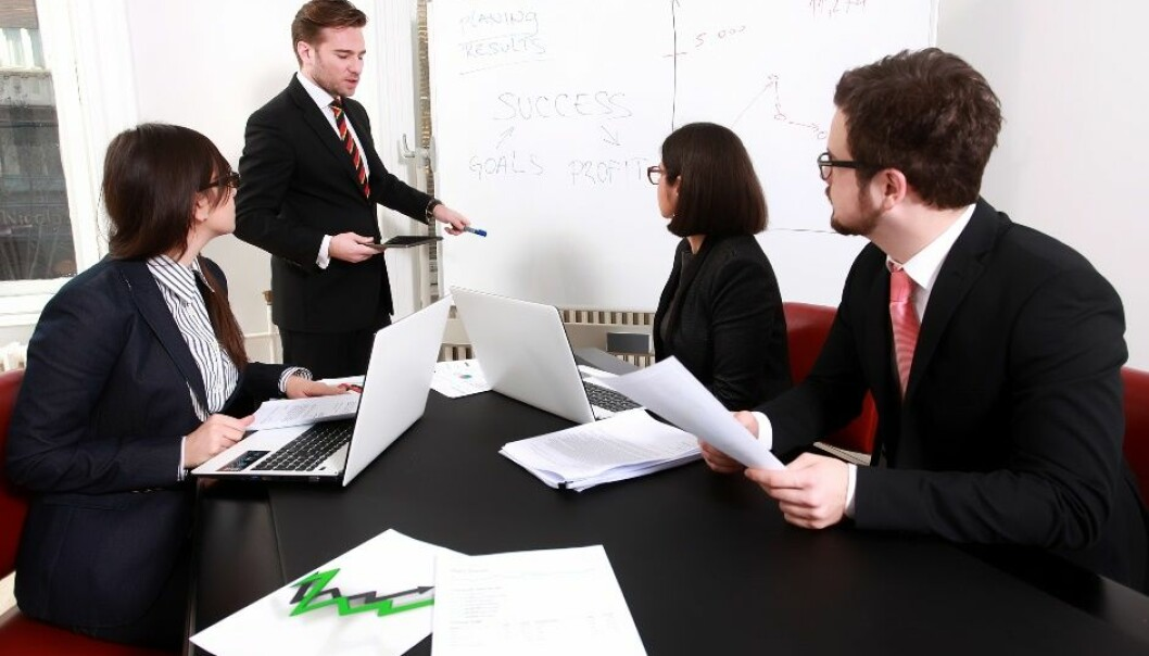 Ledere kan trene seg på å få bedre selvinnsikt, foreslår BI-forsker Karoline Hofslett Kopperud.  (Foto: Microstock)