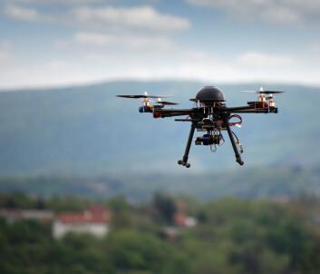 Førerløse droner blir for tiden brukt av amerikanerne i Pakistan. Droner er imidlertid ikke autonome. Det sitter et menneske og styrer dem. Det er altså et menneske som trykker på avtrekkeren, og derfor er det også et menneske å stille til regnskap for eventuelle krigsforbrytelser. (Illustrasjonsfoto: Microstock)