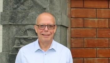 Michael Hesse er professor i fysikk og leder for UiBs forskningsgruppe for romplasmafysikk. Han har jobbet 23 år på NASA Goddard Space Flight Center, sist som direktør for vitenskapsdivisjonen for heliofysikk. (Foto: Øystein Rygg Haanæs/UiB)