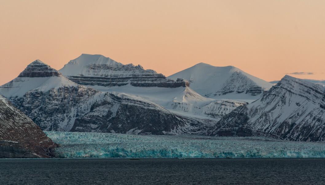 Glacier near Ny-Ålesund in Svalbard. (Foto: Andreas Wolden / Havforskningsinstituttet)