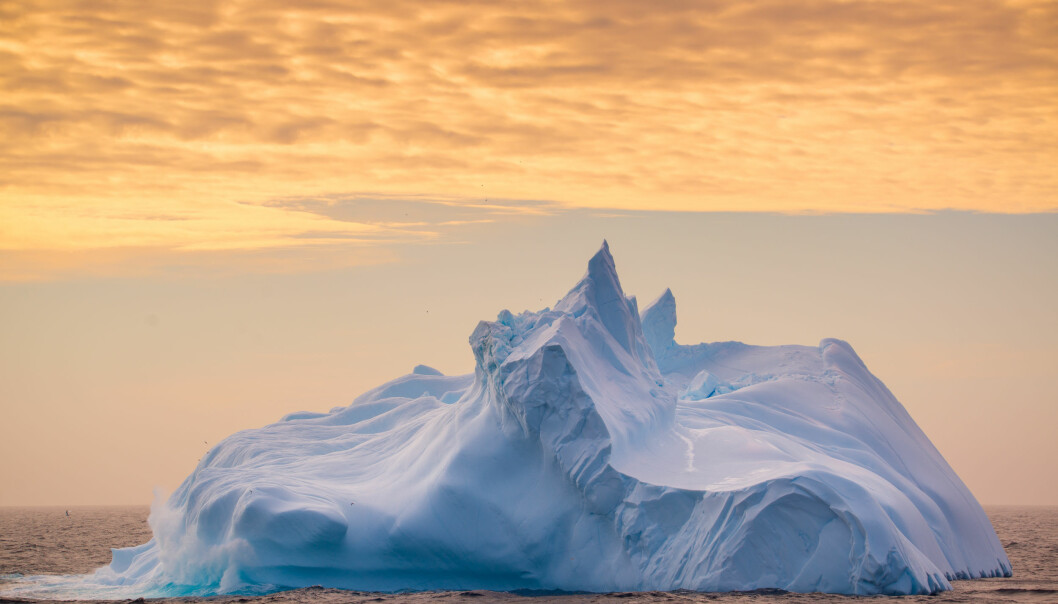 """Ice mountains can take many shapes, such as this """"meringue"""" outside Antarctica. (Foto: Andreas Wolden / Havforskningsinstituttet)"""