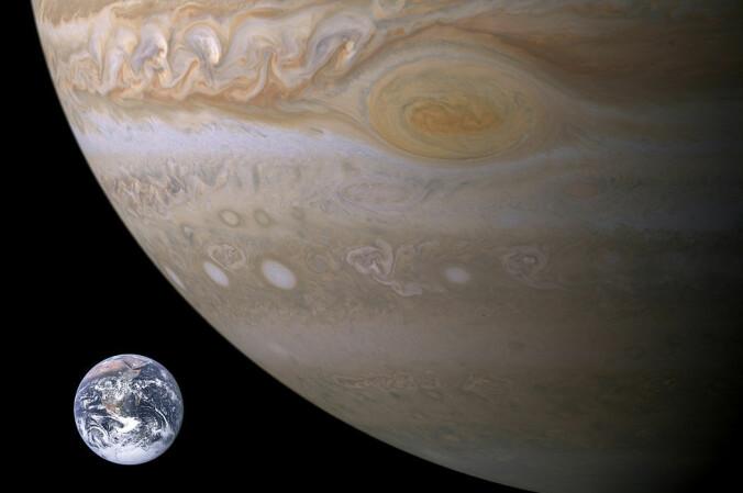 Jupiter er to og en halv gang så massiv som alle de andre planetene i solsystemet til sammen. GJ 3512b har massen til halve Jupiter. Kanskje ligner forholdene der de som finnes på vår egen gasskjempe.