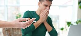 SMS og e-post like effektivt for å få folk til å slutte å røyke