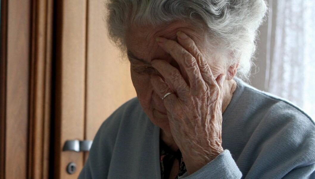 Folk med grunnskoleutdanning har 40 prosent større risiko for å dø med demens, enn de som har høyere utdanning. (Illustrasjonsfoto: Colourbox)