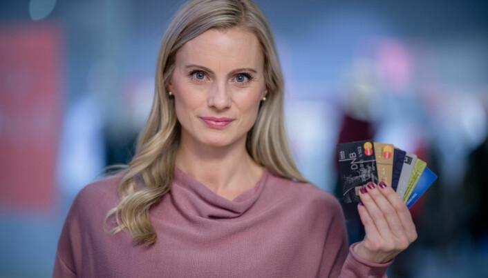 Forbrukerøkonom Silje Sandmæl råder deg til å betale ned så mye som mulig på kredittkortet hver måned. (Foto: Stig B. Fiksdal, DNB)