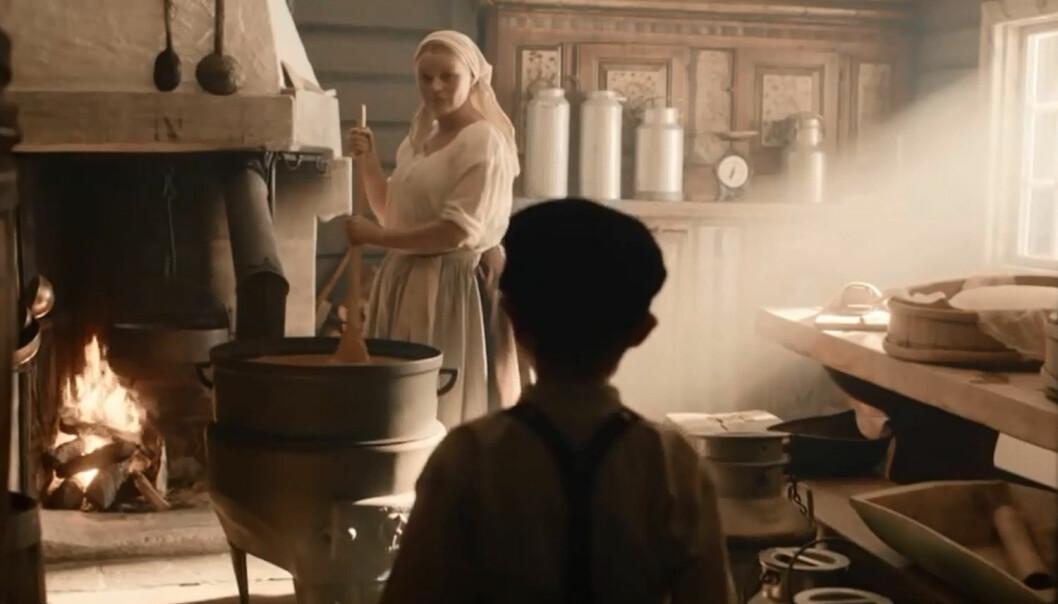 Nostalgi er et bevisst grep i markedsføringen hos mange produsenter. Her fra Tines reklamefilm om smørbar brunost.  (Skjermdump: fra reklamefilm av Tine SA)
