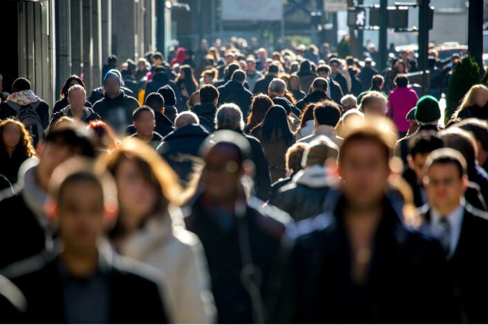 Hans Rosling la ikke skjul på at 15 milliarder mennesker på kloden blir et problem som vil kreve intelligente løsninger. Jo raskere vi får alle land opp på en viss levestandard, minimum tre dollar om dagen, jo raskere vil befolkningsveksten stanse, ifølge Rosling. (Foto: Microstock)