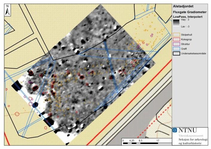 Ved å sette sammen resultater av geofysiske metoder og bilder av hva som ble funnet i en arkeologisk undersøkelse får en et visst bilde av hvor anvendbare geofysiske metoder i arkeologi er. Her demonstrert ved et eksempel fra Alstad på Frosta i Nord-Trøndelag. (Foto: (Illustrasjon: NTNU))
