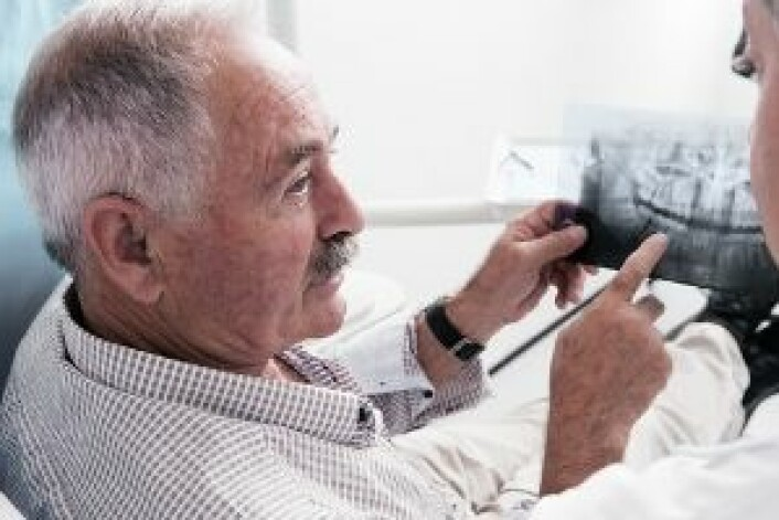 Folk i Norge og Sverige beholder mange tenner langt inn i alderdommen. (Foto: Shutterstock)