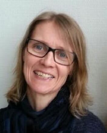 Aud Elisabeth Witsø intervjuet blant andre herren som viste seg å være en sylskarp professor emeritus, ikke en ensom og småsenil gamling. (Foto: HiST)