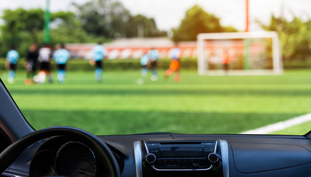 – Vi skal kartlegge grundig hvorfor folk kjører ungene til trening og hva det er som hindrer dem i å velge andre former for transport, sier forskningsleder Susanne Nordbakke ved Transportøkonomisk institutt. (Illustrasjon: Toey Toey / Shutterstock / NTB scanpix)