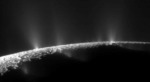 Byggesteiner for primitivt liv funnet i is fra Saturn-måne