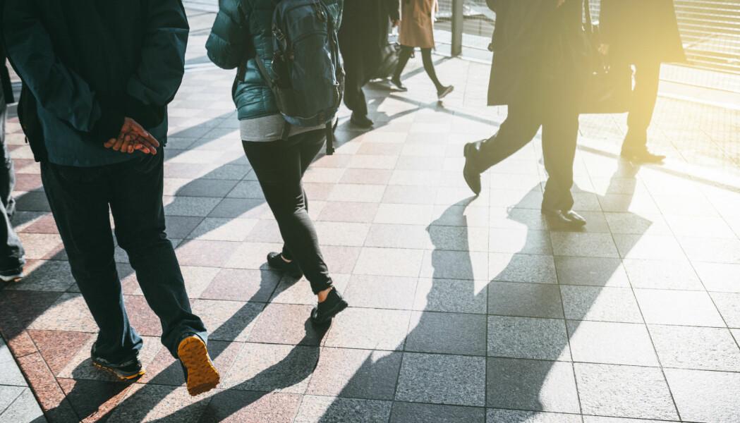 Ganghastighet er i mange år blitt brukt av helsepersonell til å si noe om helse hos eldre. Nå ser forskere at ganghastighet kan varsle om helsetilstand mye tidligere i livet. (Foto: IDEAPIXEL / Shutterstock / NTB scanpix)