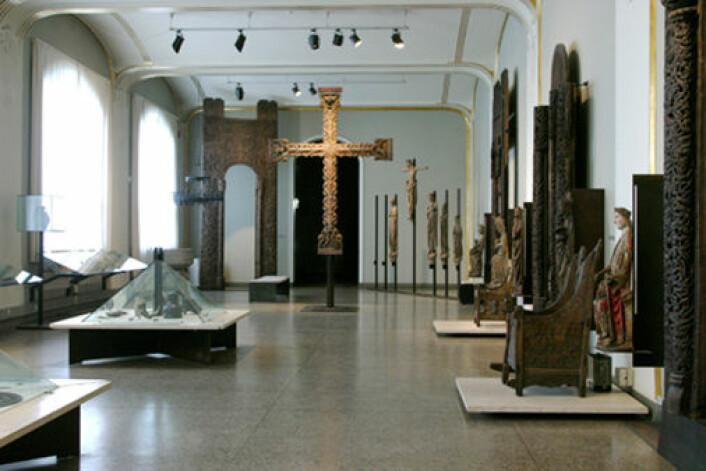 Middelalderutstillingen i 1. etasje ved Kulturhistorisk museum i Oslo er et godt eksempel på hvordan vi nesten utelukkende blir vist den tidlige middelalderkunsten vår.  (Foto: Kulturhistorisk museum, UiO)