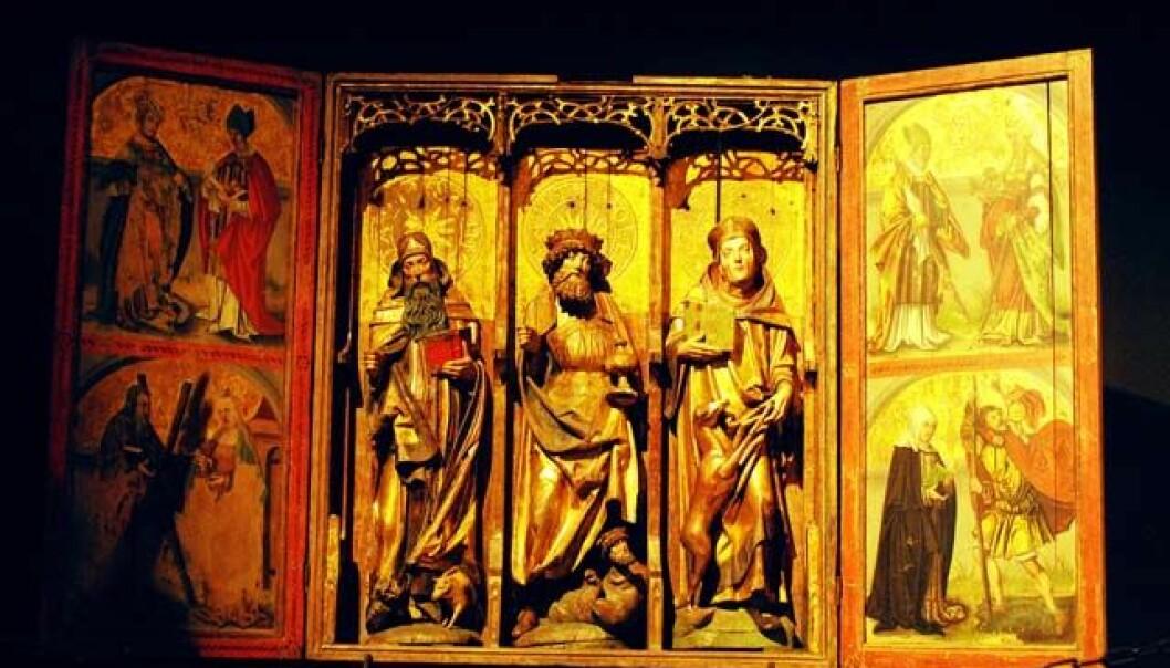 Nesten all kirkekunst fra senmiddelalderen i Norge ligger pakket ned og stuet vekk. Dette alterskapet fra Kvæfjord kirke i Troms, utstilt ved Kulturhistorisk museum i Oslo, er et av få unntak. Ola Sæther, Uniforum/UiO