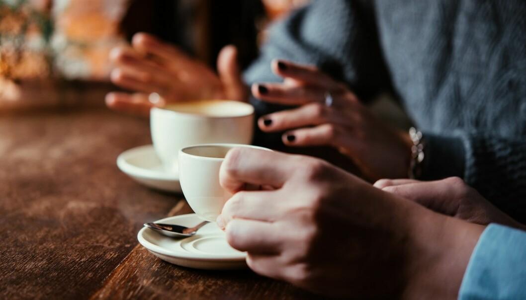 Målet med en frivillig ressursvenn er å forhindre at den voldsutsatte kvinnen gjenopptar relasjonen med overgriper. Ressursvennen skal fungere som en sosial støtte i hverdagen for kvinnen. (Illustrasjon: Yulia Grigoryeva / Shutterstock / NTB scanpix)