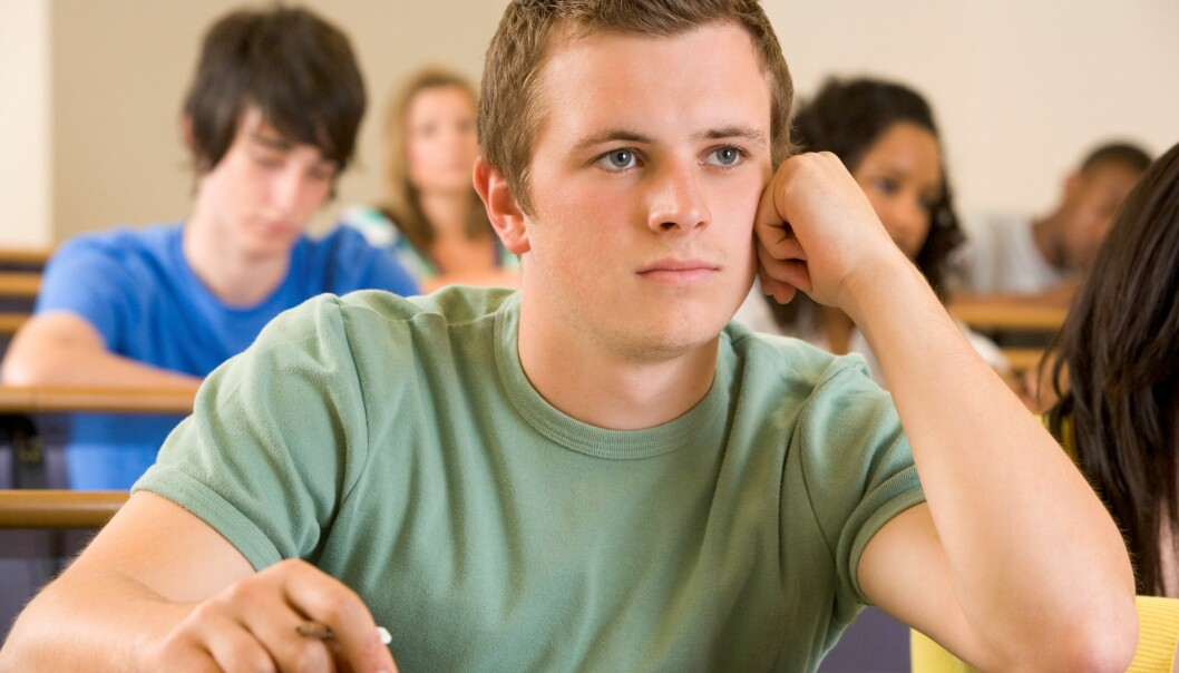 Kjeder gutter seg på skolen? (Foto: Colourbox)