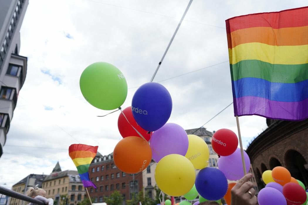 Den irske foredragsholderen Mike Davidson hevder å tilby svar på «hvordan man kan hjelpe dem som ønsker å forlate homoseksuell praksis og følelser». Det er provoserer mange. (Illustrasjonsfoto fra Oslo Pride Parade 2019: Fredrik Hagen, NTB scanpix)