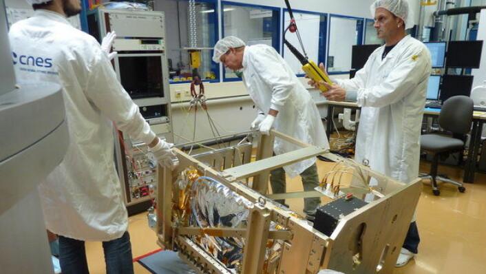 Pharao blir levert til ESA-labben. (Foto: ESA)