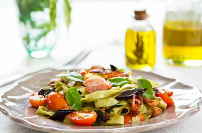 Søreuropeiske land som Frankrike og Spania kommer godt ut. Det kan ha noe med middelhavsmaten å gjøre, med friske grønnsaker og sunne matoljer, som olivenolje. (Foto: Colourbox)