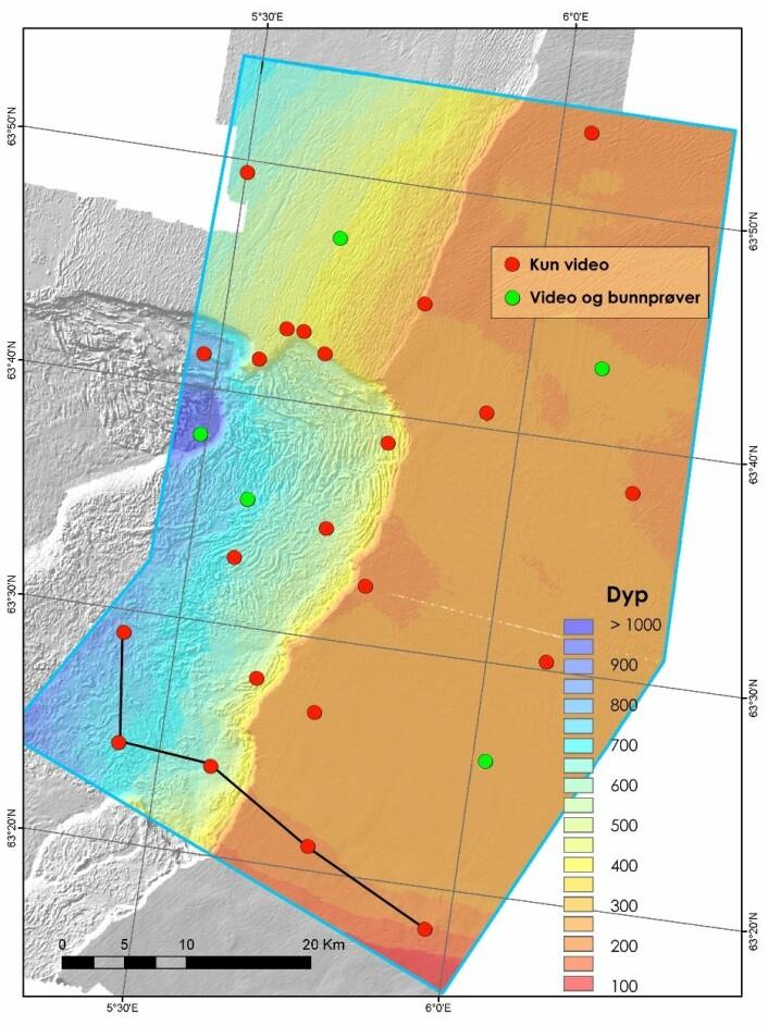 Detaljert dybdekart som viser beliggenheten av lokalitetene som skal undersøkes. Den sorte linjen viser hvor langt vi har kommet tirsdag kveld. (Foto: MAREANO)