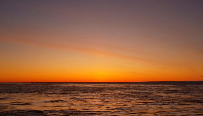 Solnedgang ved Storøya, øst for Nordaustlandet på Svalbard. (Foto: Lilja R. Bjarnadóttir, NGU)