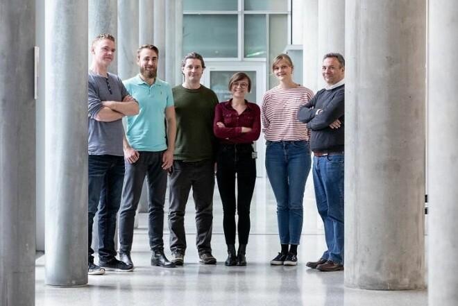 Karsten Specht with his research group. Re:State. From left:: Kjetil Vikene, Vetle Hushagen, Rune A. Eikeland, Liucija Vaisvilaite, Guro Sjuls, Karsten Specht (Not present: Katarzyna A. Kazimierczak og Julia Tuominen) (Photo: Eivind Senneset, UiB)