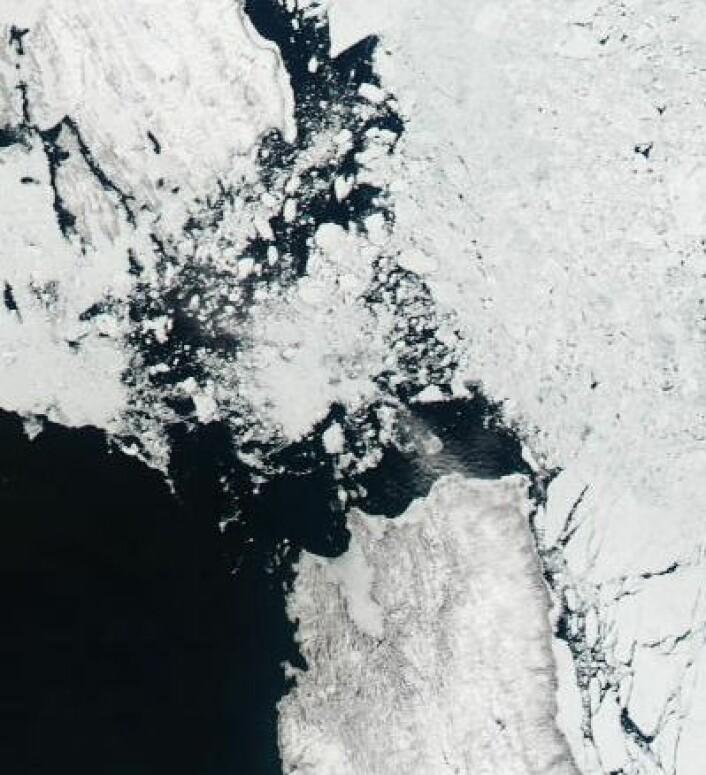 Fortsatt mye is i Karaporten 19. juni. (Foto: (NASA Aqua MODIS))