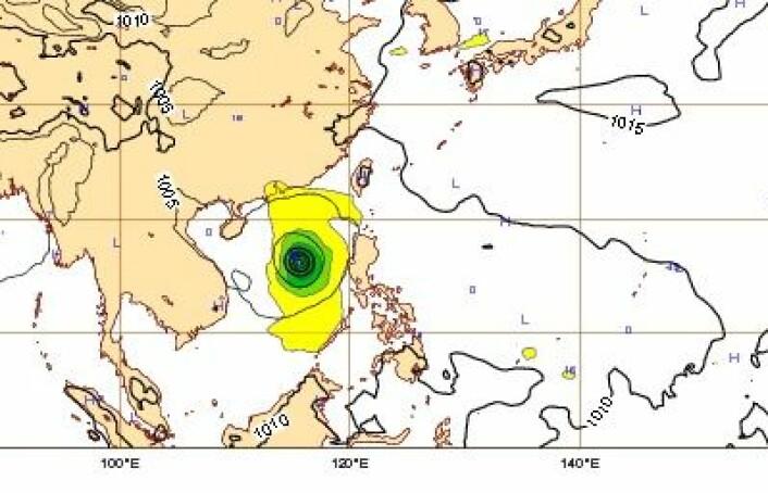 Her er tyfonen Rammasun på vei fra Filippinene til Kina 17. juli kl 00 UTC. (Foto: (ECMWF))