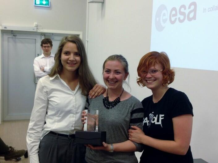 Kattsat fra Bergen Katedralskole vant førsteplass for begynnere i elevsatellittkonkurransen Cansat 2014 på Andøya. (Foto: NAROM)