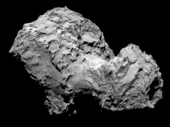 Slik ser altså en komet ut på nært hold. Observert fra ESAs romsonde Rosetta 3. august. (Foto: (ESA/Rosetta/MPS for OSIRIS Team MPS/UPD/LAM/IAA/SSO/INTA/UPM/DASP/IDA))