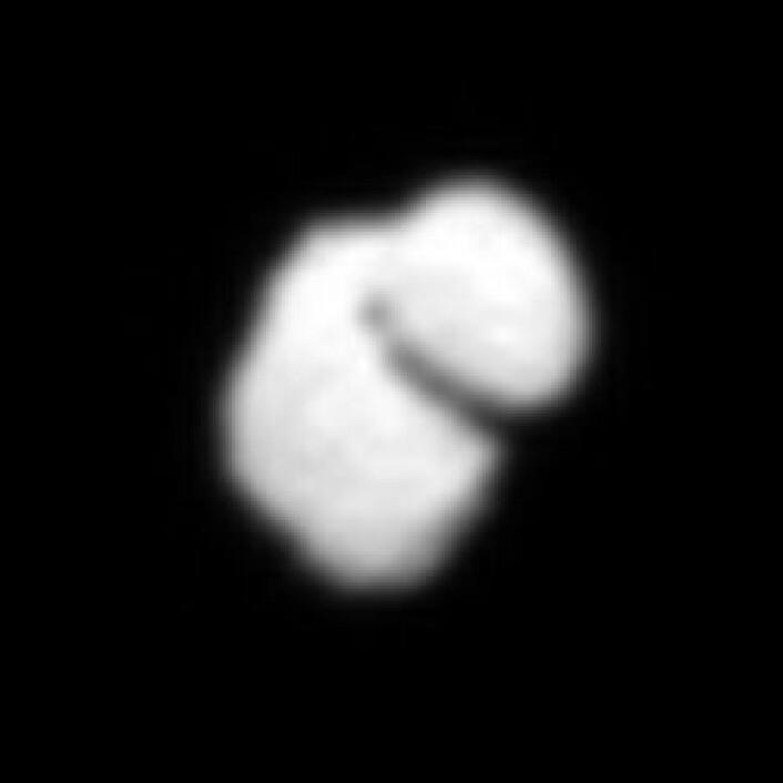 Kometen 67P/Tsjurjumov-Gerasimenko er formet litt som en and. Bildet er tatt av ESAs romsonde Rosetta på en avstand av 12 000 kilometer. (Foto: ESA/Rosetta/MPS/UPD/LAM/IAA/SSO/INTA/UPM/DASP/IDA)