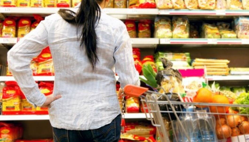 De fleste av oss vet sånn noenlunde hva som er et sunt kosthold. De aller, aller færreste av oss spiser slik. Rasjonell kostholdsinformasjon er ikke nok til å holde oss på den smale sti. Colourbox
