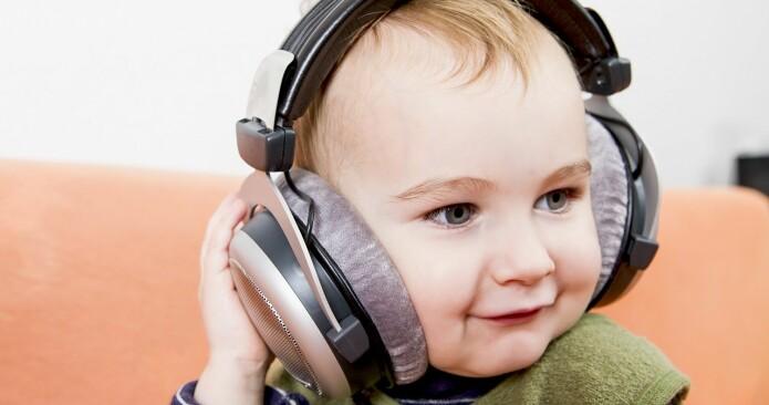 De fleste mennesker liker musikk. Og de klarer lett å høre forskjell på snakking og musikk. (Illustrasjonsbilde: Colourbox)