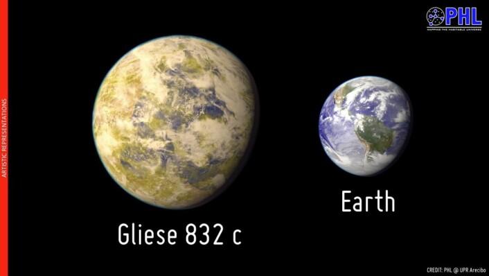 Slik ser en kunstner for seg Gliese 832c målt mot jordkloden. Ifølge astronomenes beregninger har planeten en masse på 5,4 ganger Jordas (Foto: Planetary Habitability Laboratory, Arecibo)