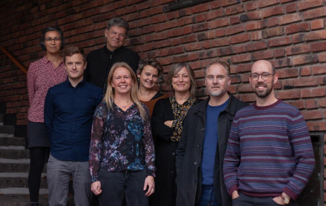 Disse deltar i forskningen. Fra venstre: Marjan Nadim, Audun Fladmoe, Bernard Enjolras, Kari Steen-Johnsen, Karoline Andrea Ihlebæk, Tine Ustad Figenschou, Kristoffer Holt og Anders Ravik Jupskås. (Foto: Hege Kandal/ISF)