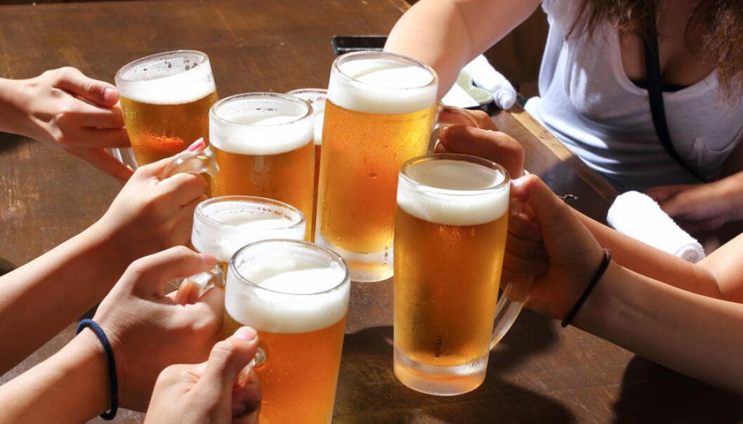De finske forskerne ble overrasket når de fant ut hvor mye alkohol ungdommene fikk i seg. Microstock