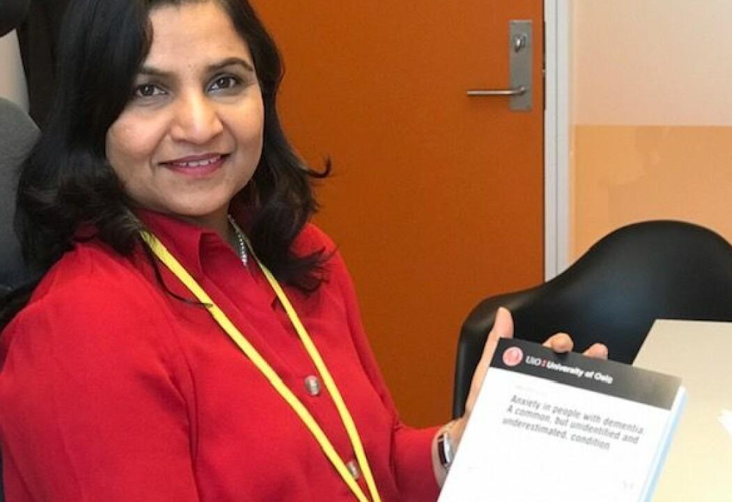 Uroen til personer med demens blir sett på som en del av demenssykdommen, ikke som angst, mener Alka Rani Goyal. Hun har nylig levert en doktorgradsavhandling hvor hun blant annet presenterer et verktøy som kan kartlegge angst blant personer med demens. (Foto: Siw Ellen Jakobsen)