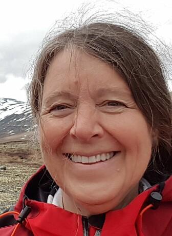 Sykepleier Sissel Hafredal Sjåstad mener at de aller fleste blir redde, nedstemte og fortvilet når de blir demente. (Foto: Privat)