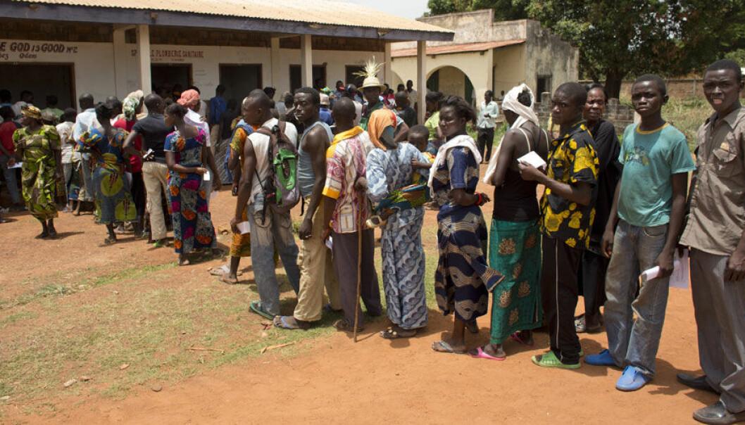 Kø for å delta i frivillig HIV-testing i Den sentralafrikanske republikk Tom Koene/Scanpix