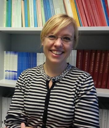 Åse Wetås har jobbet med Norsk Ordbok, et viktig prosjekt for å dokumentere ordforrådet vårt, mener hun. (Foto: Nina Kristiansen)