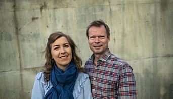 Professorene Leif E. Hem og Nina M. Iversen interesserer seg ekstra for vær. (Foto: BI)