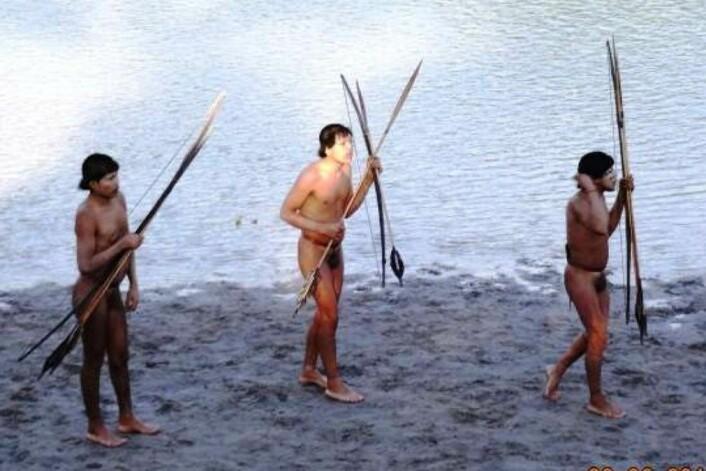 Disse tre tilhører gruppa som kontakta FUNAI-representantene. (FOTO: FUNAI)
