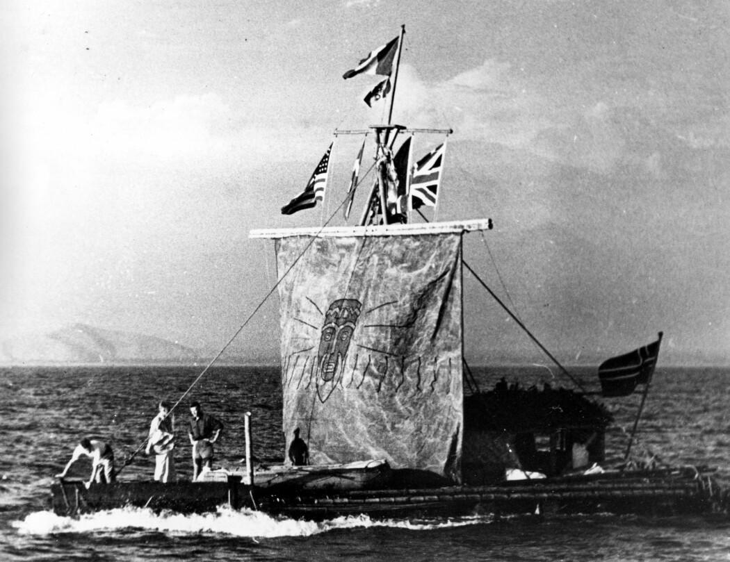 Heyerdahls suksess med Kon-Tiki blir etterfulgt av massiv kritikk: Teoriene hans blir mer eller mindre slaktet av resten av forskningsverdenen. (Foto: AP, NTB scanpix)