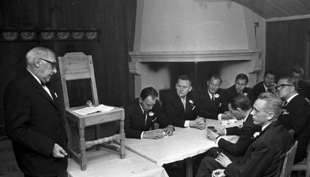 Tidligere elever fra Handelshøyskolen på tur i København, fFotografert juni 1966 av Leif Høel. Norsk Folkemuseum